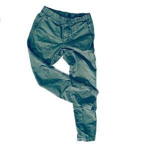 Gap Men's Size 30/30 Green Chinos.